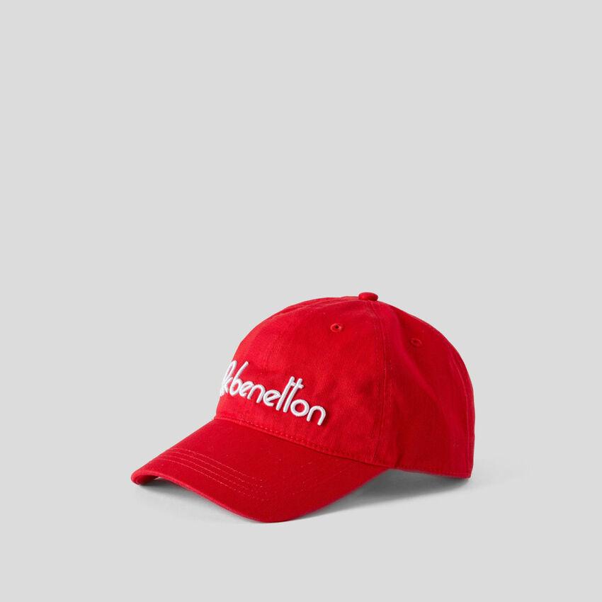 Cappellino baseball con logo ricamato