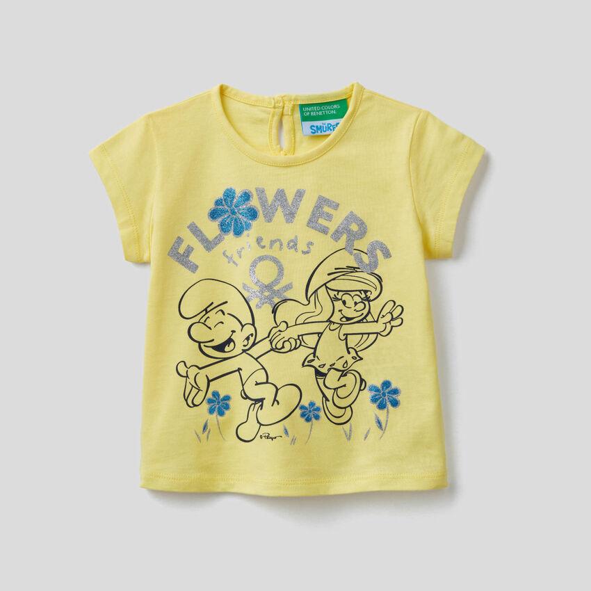 T-shirt gialla con stampa I Puffi