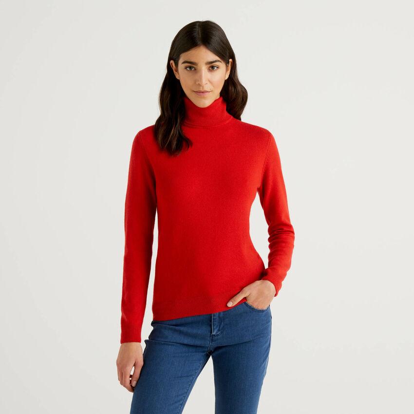 Maglione dolcevita rosso in pura lana vergine