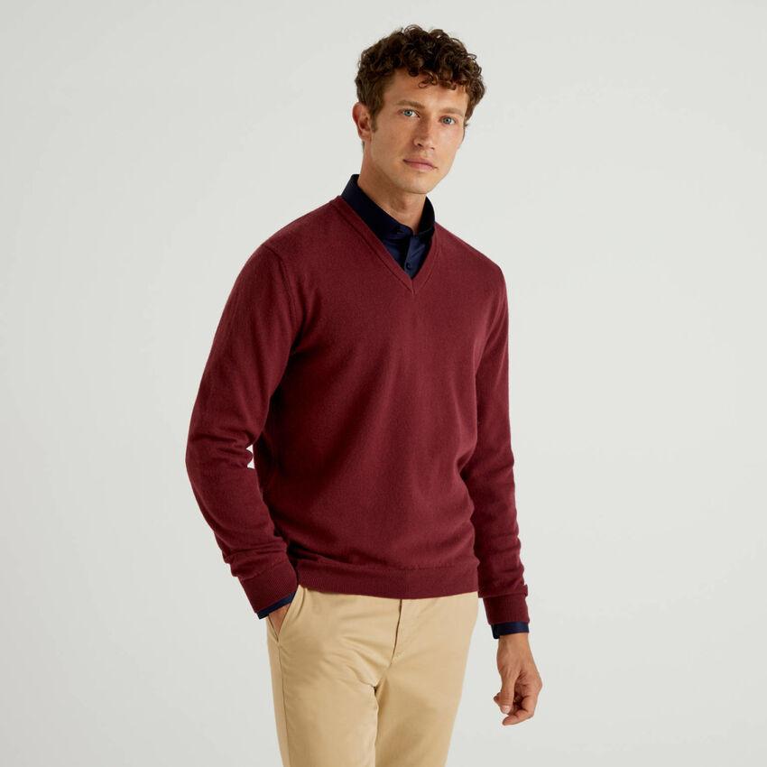Maglia scollo a V bordeaux in pura lana vergine