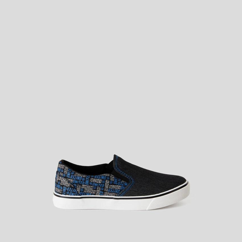 Sneakers stile skater in tessuto