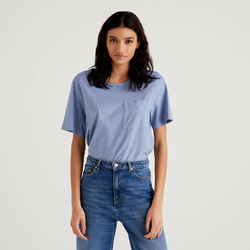 T-shirt tinta unita con taschino