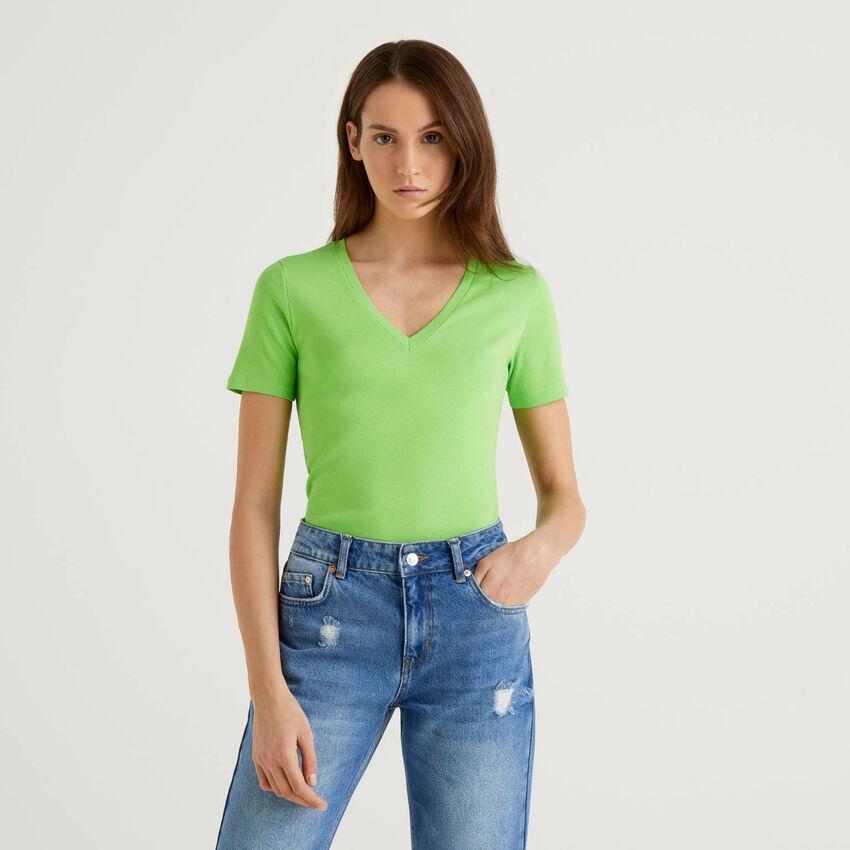 T-shirt in puro cotone con scollo a V