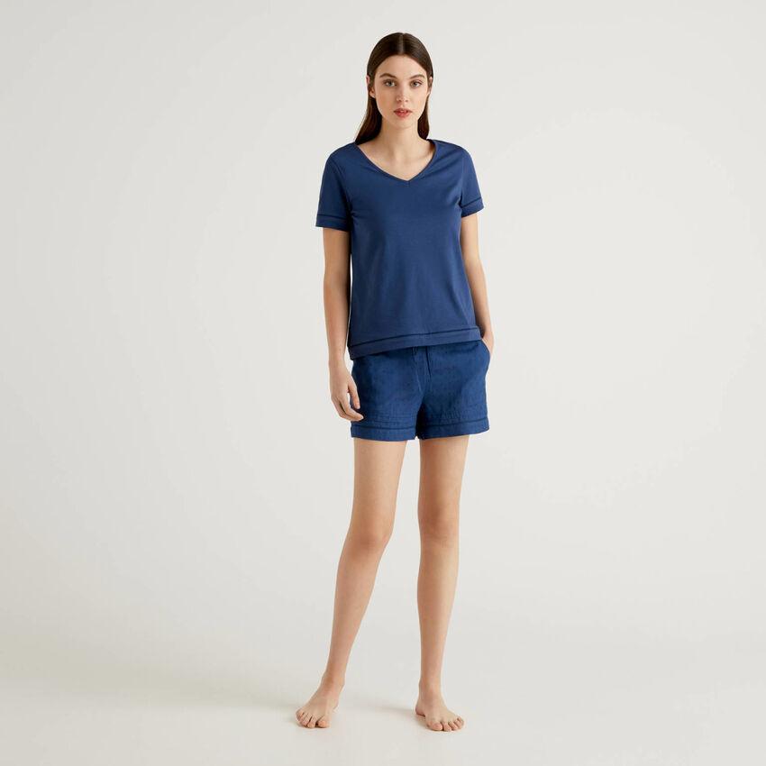 Set pigiama con t-shirt e shorts