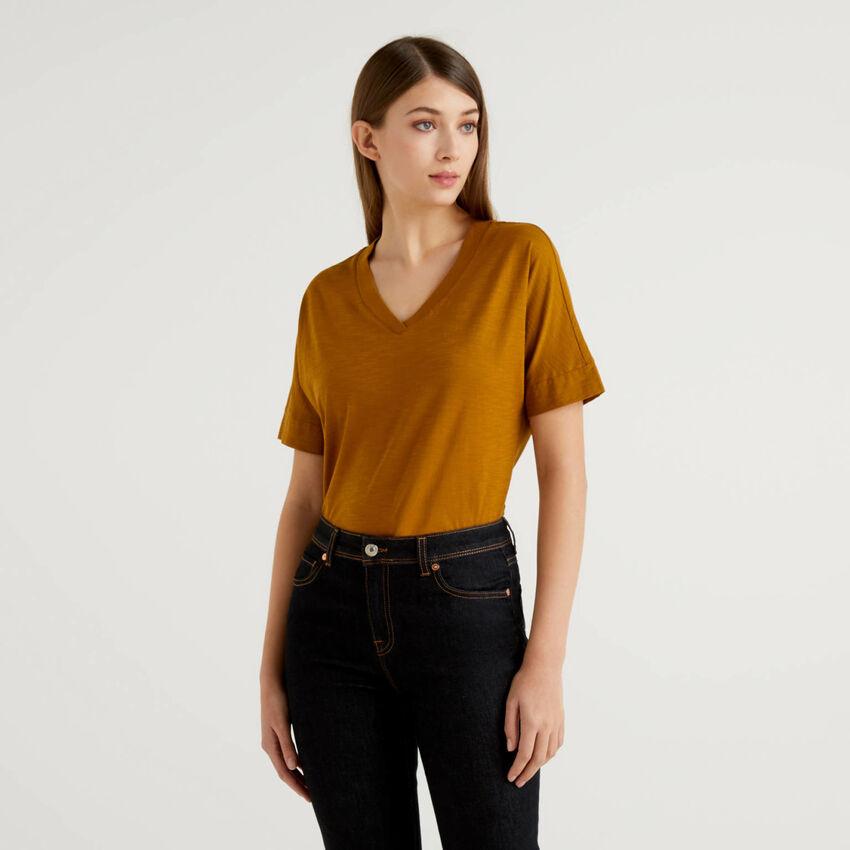 T-shirt con scollo a V 100% cotone