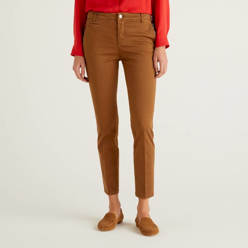 Chino slim fit in cotone marrone