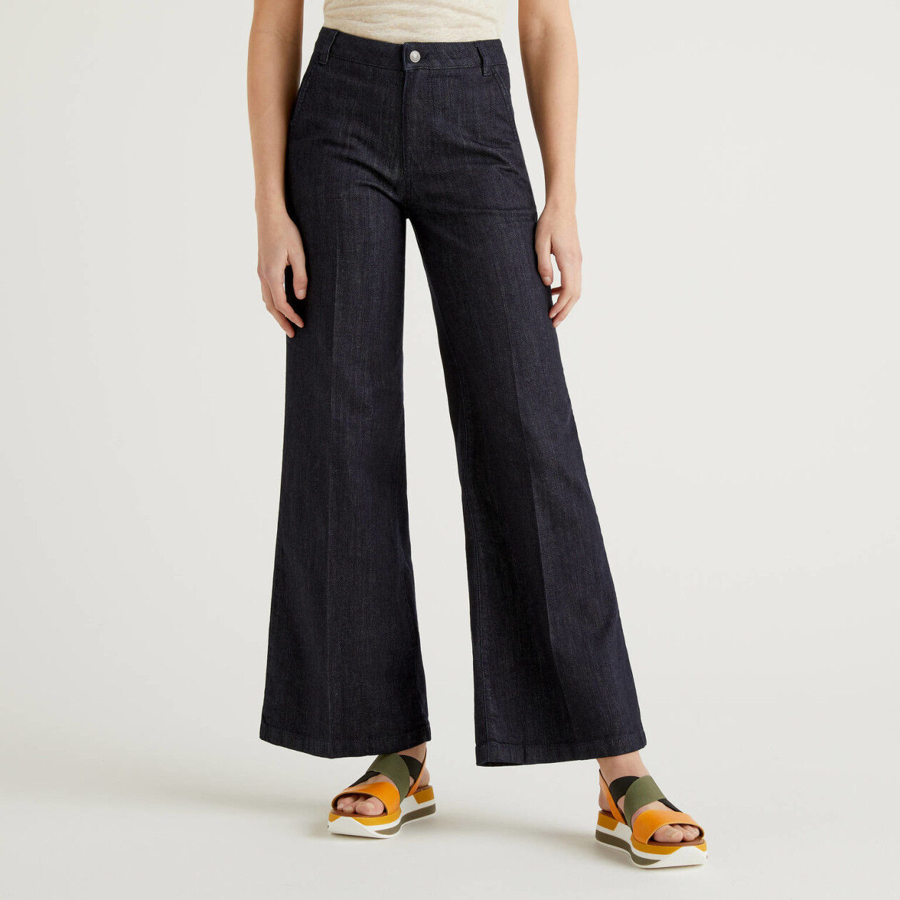 Jeans a zampa in cotone stretch