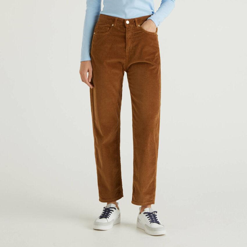 Pantaloni boyfriend in velluto