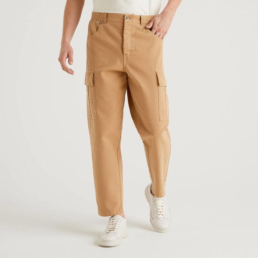 Pantaloni cargo in 100% cotone
