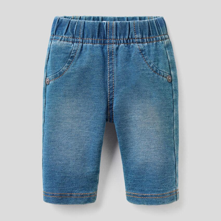 Pantaloni effetto jeans con musetto