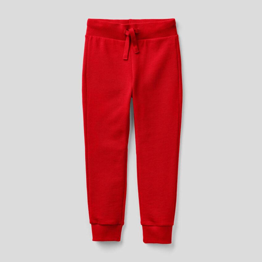 Pantaloni sportivi rossi in felpa