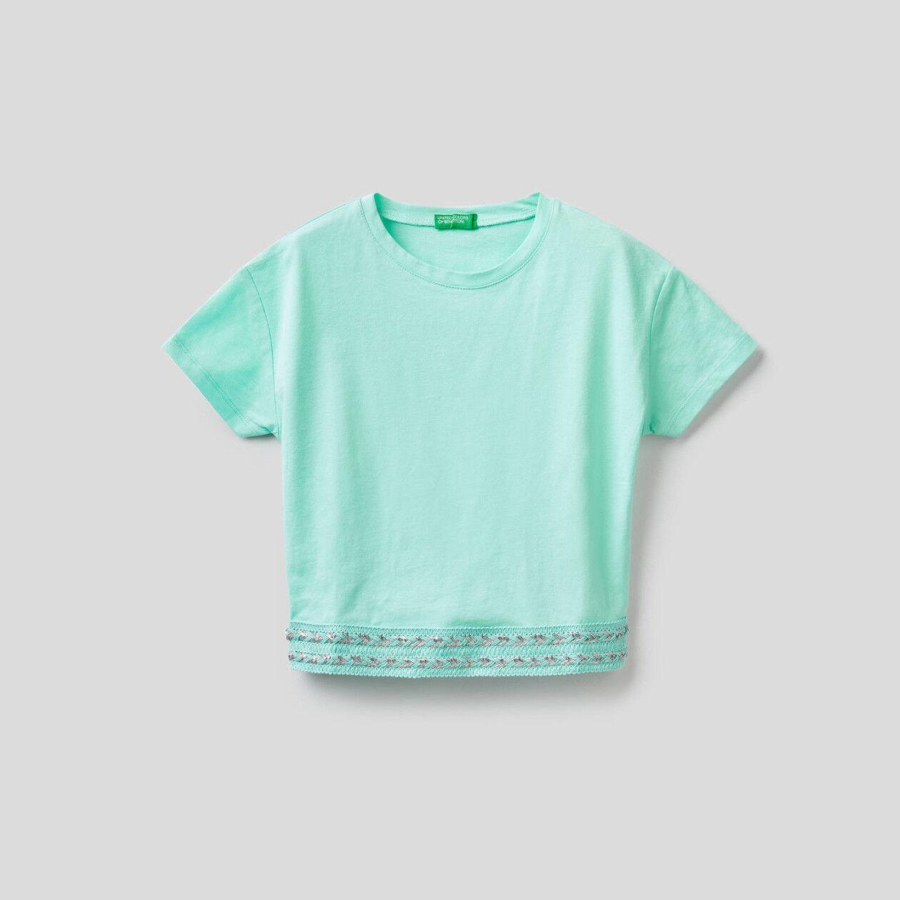 T-shirt in cotone con taglio cropped