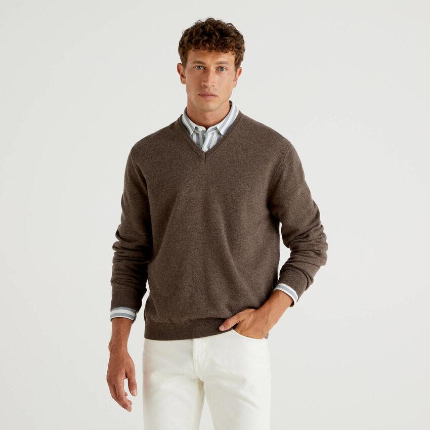 Maglia scollo a V marrone in pura lana vergine