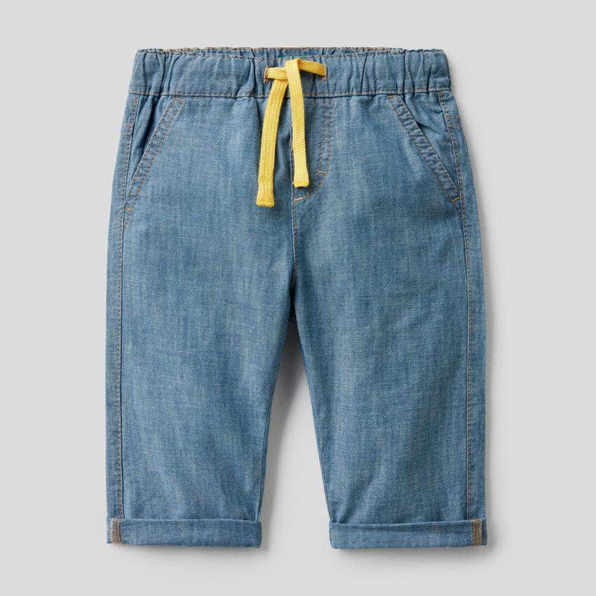 Pantaloni in chambray di 100% cotone