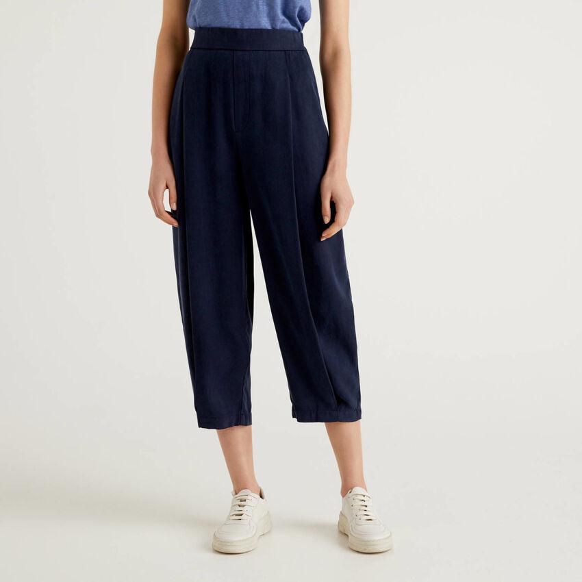 Pantaloni fluidi con pieghe