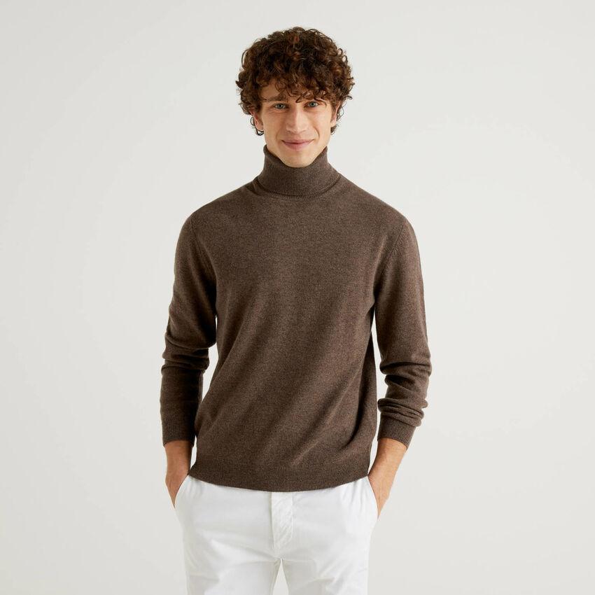 Dolcevita marrone in pura lana vergine