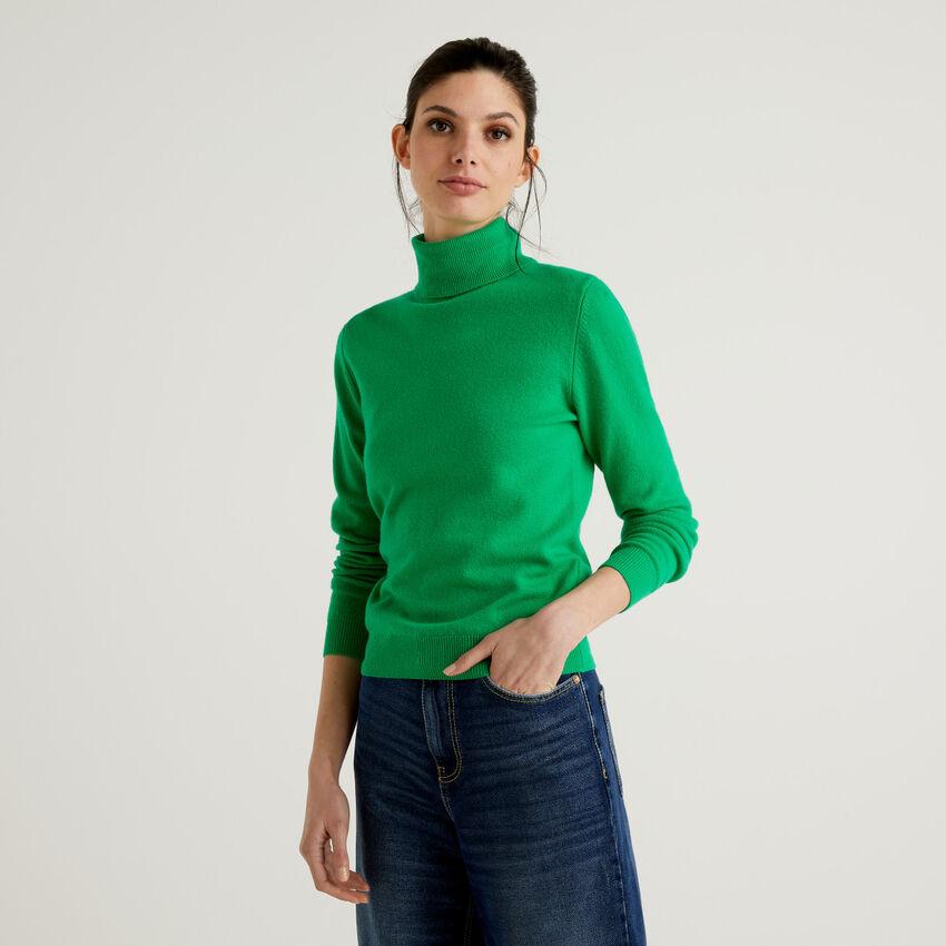 Maglione dolcevita verde in pura lana vergine