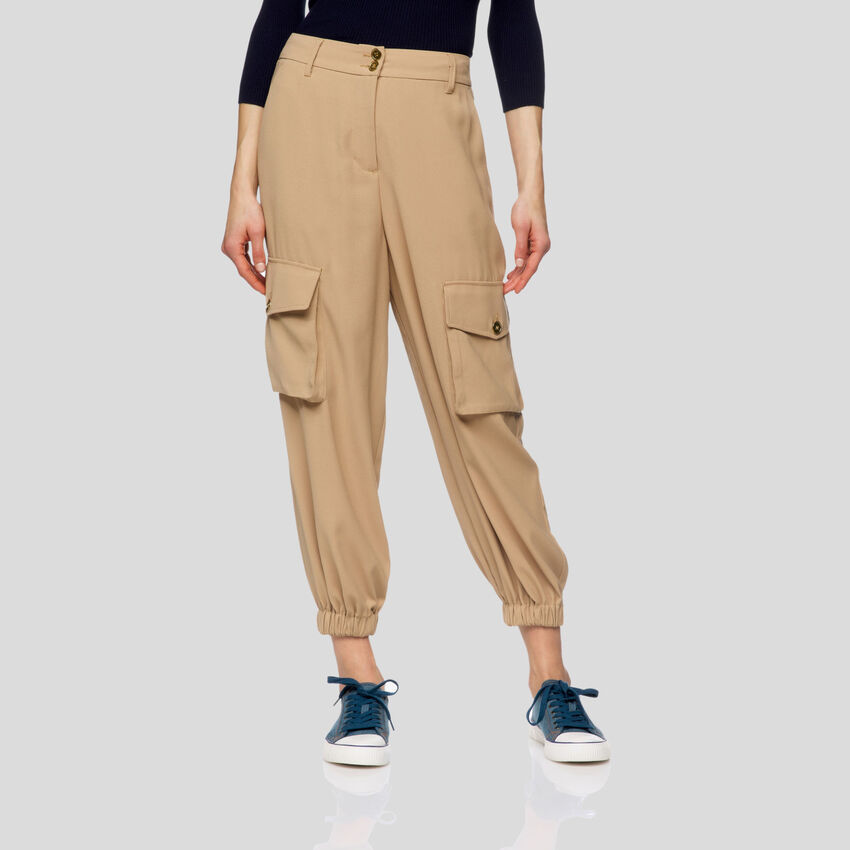 Pantaloni fluidi
