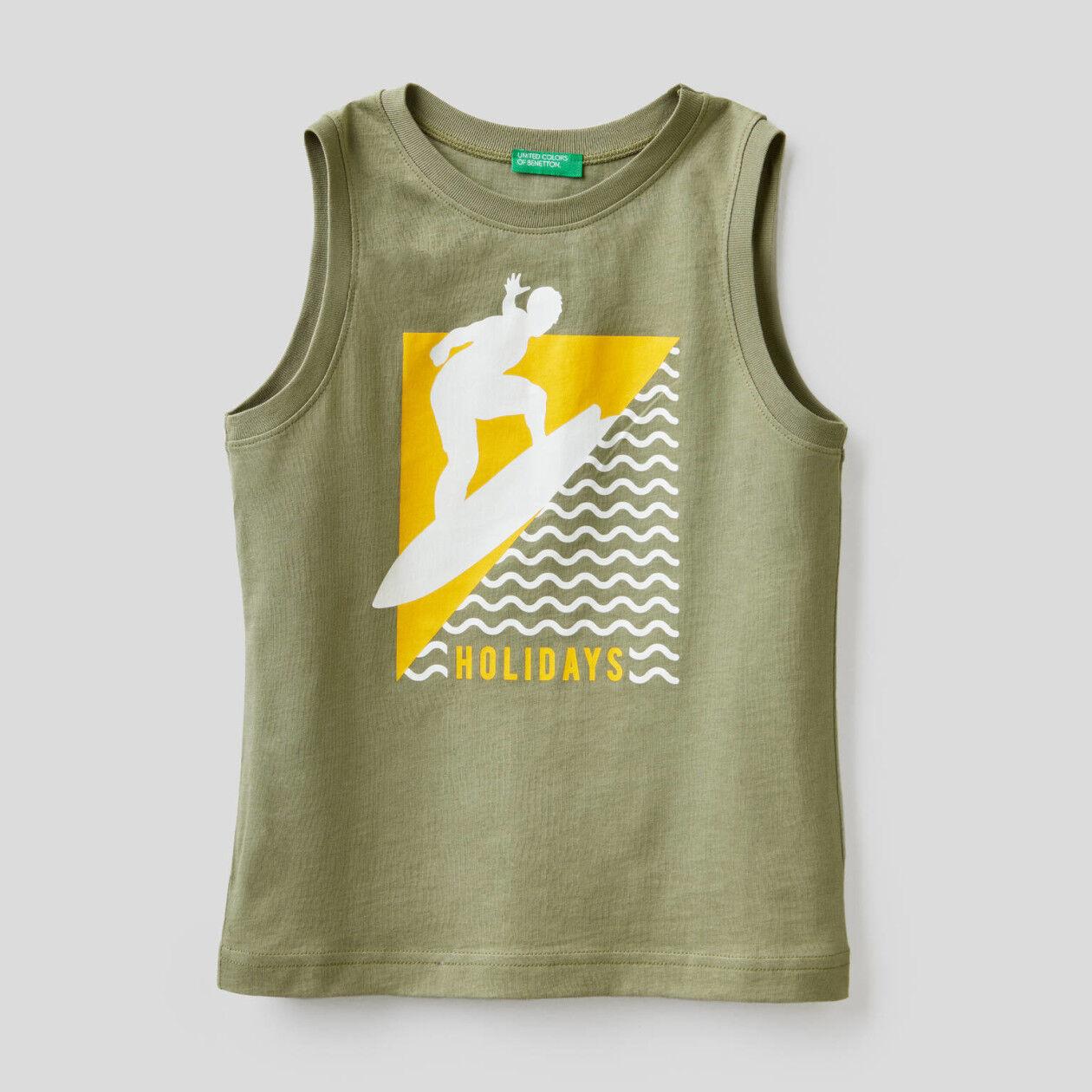 T-shirt smanicata con stampa