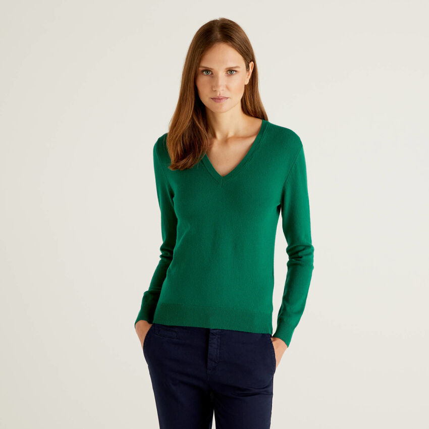 Maglia con scollo a V verde scuro in pura lana vergine