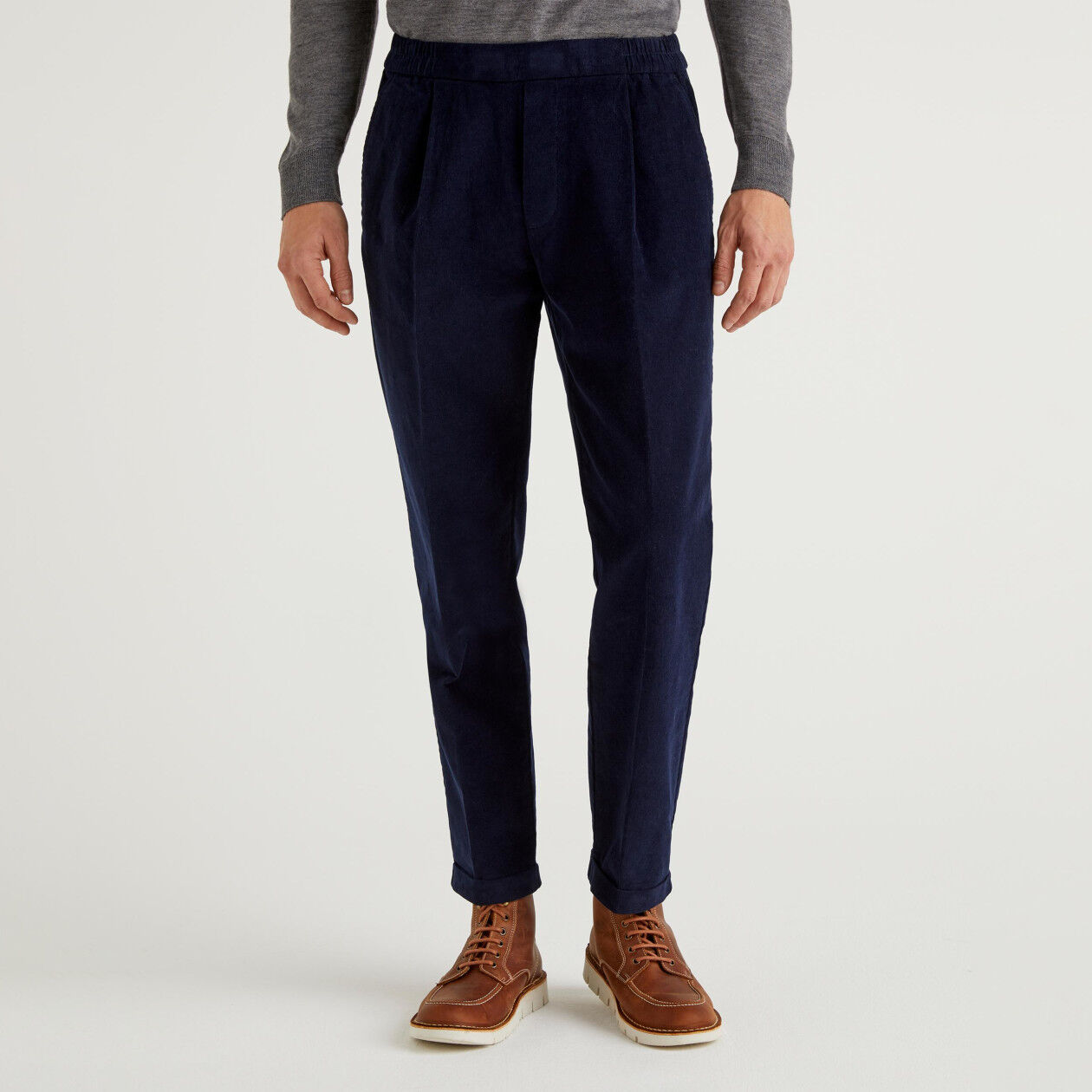 Pantaloni in velluto con risvolto