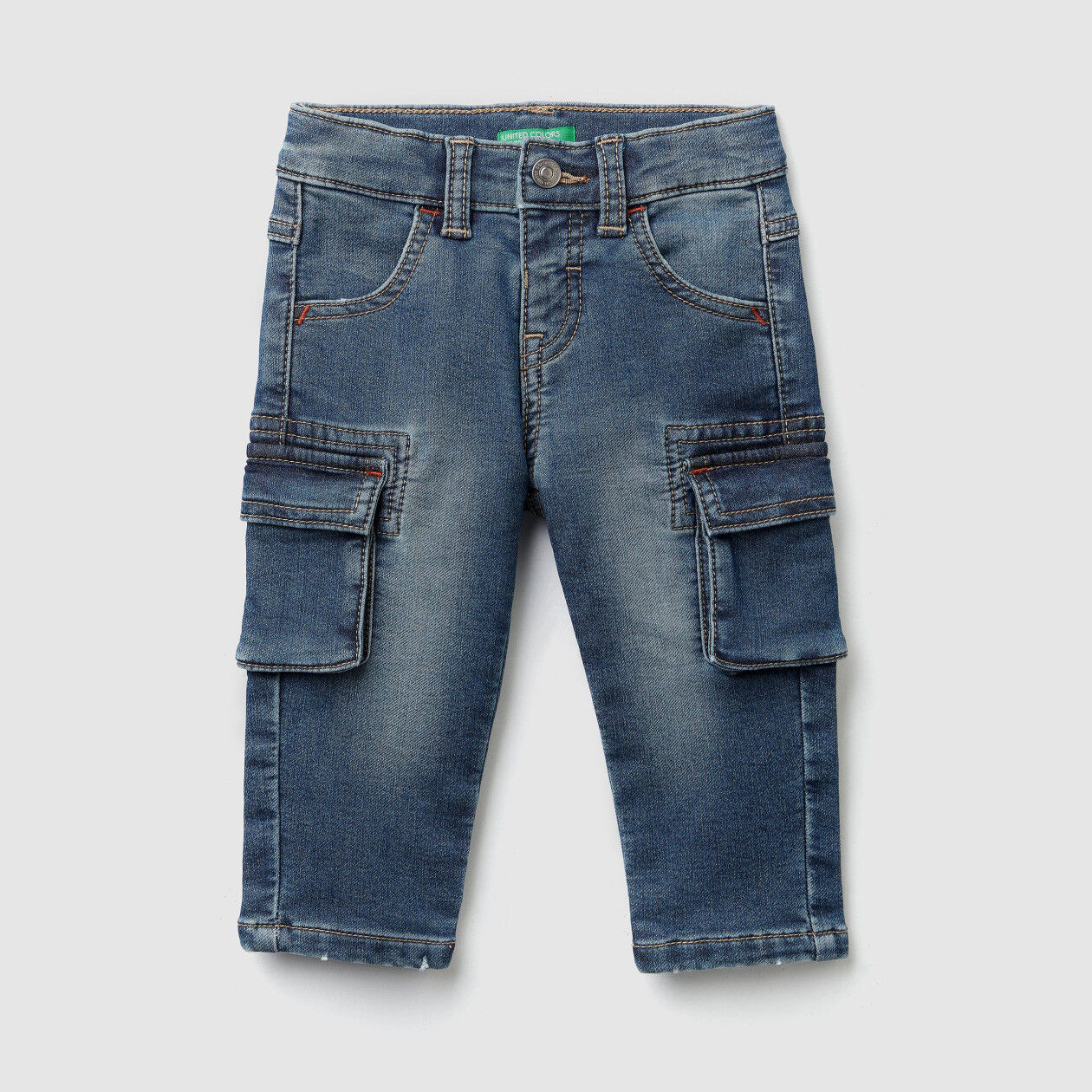 Jeans cargo in denim termico