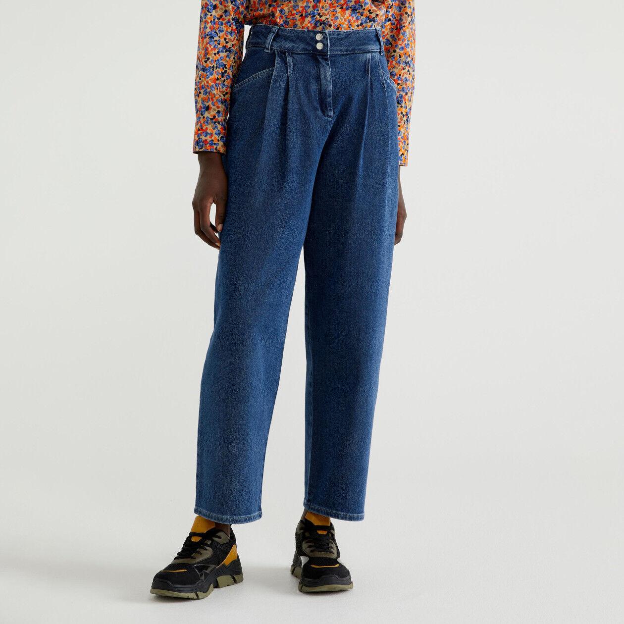 Pantaloni morbidi di jeans