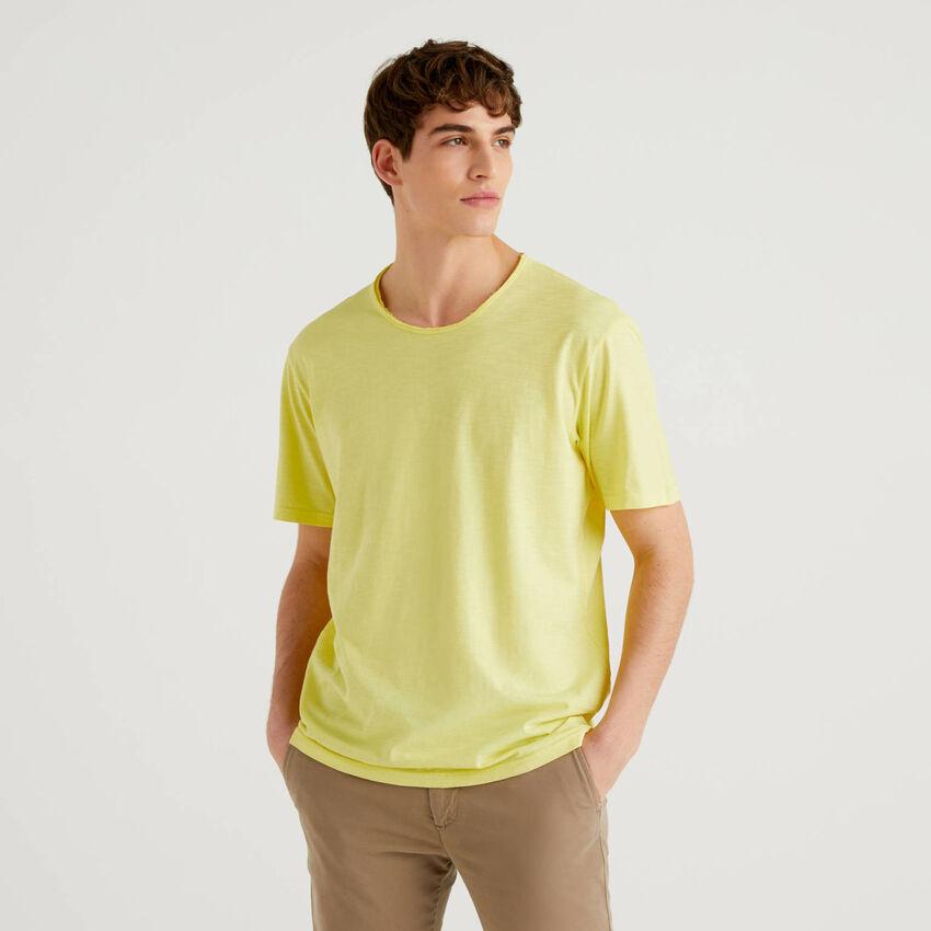 T-shirt gialla in puro cotone