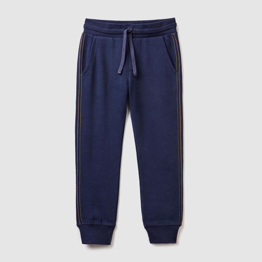 Pantaloni con tasca stampata