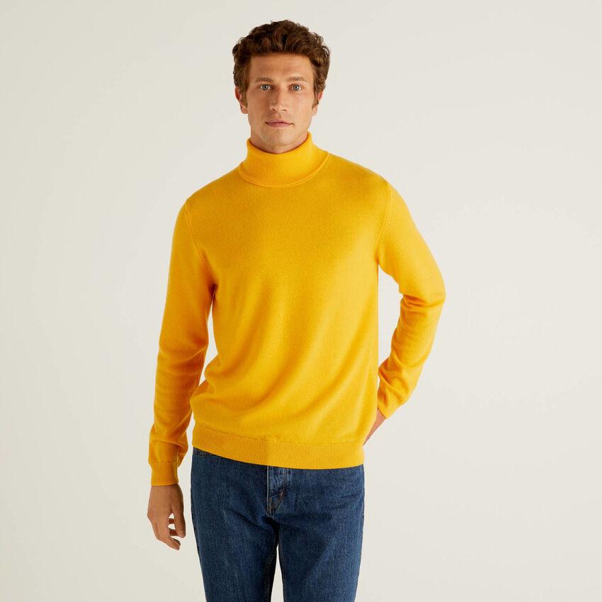 Dolcevita giallo in pura lana vergine
