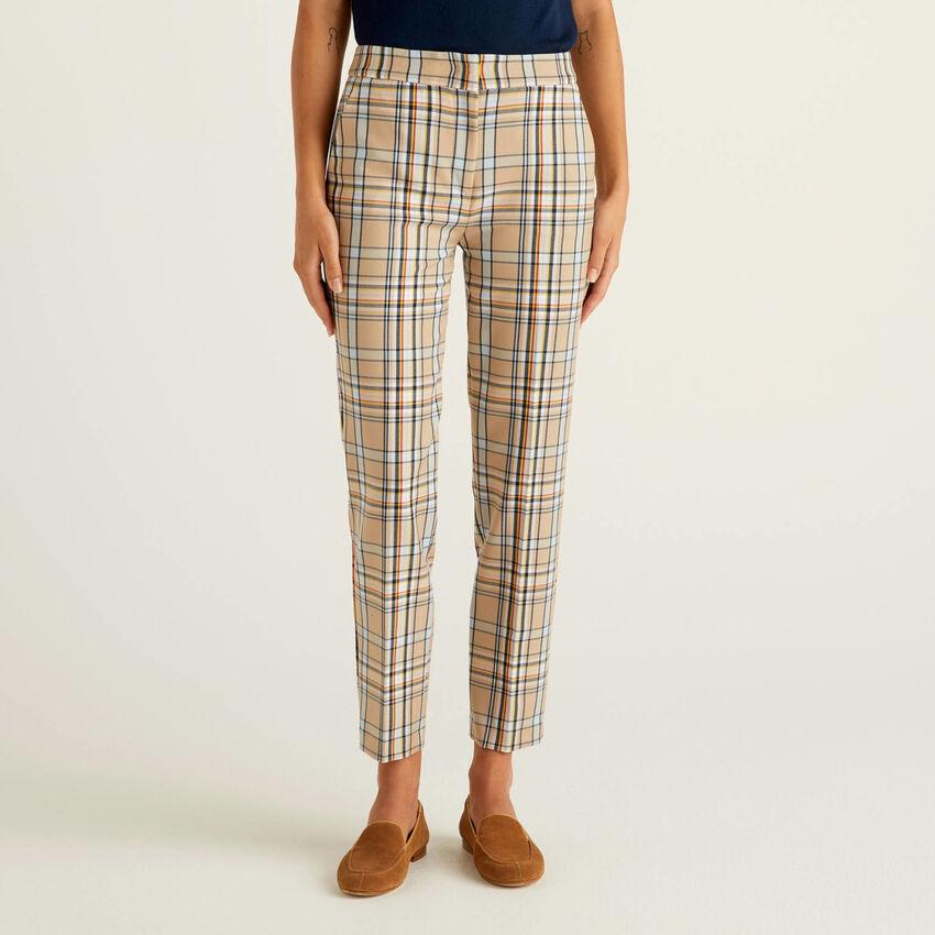 Pantaloni a quadri in tessuto fluido