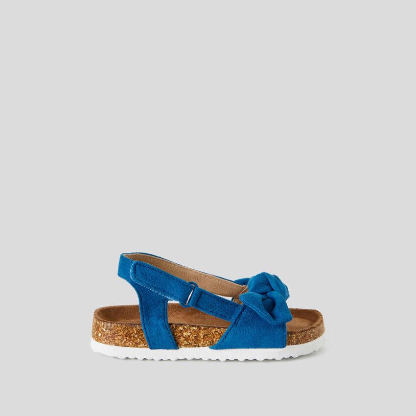 Sandaletti con fiocco