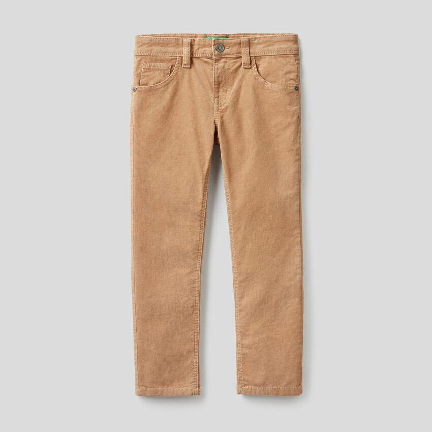 Pantaloni slim fit in velluto stretch