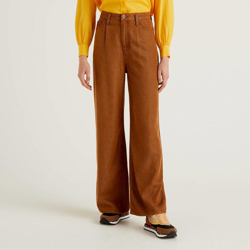 Pantaloni gamba ampia in tessuto naturale