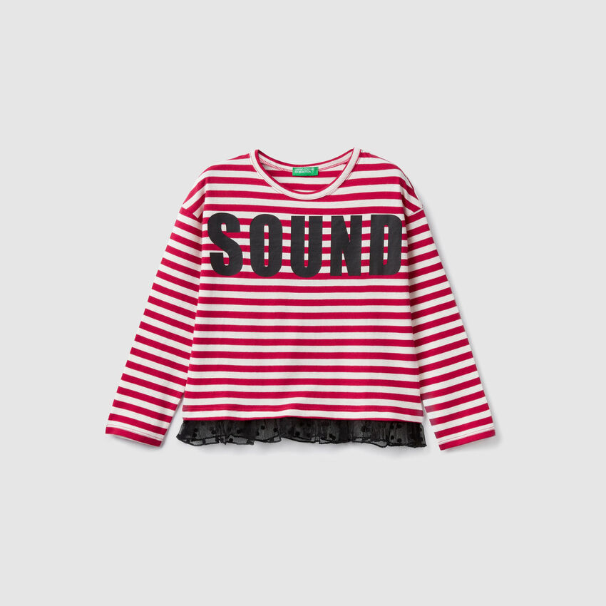 T-shirt a righe con balza in tulle