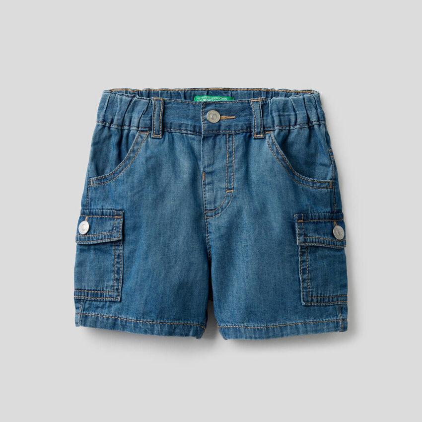 Bermuda cargo in jeans leggero