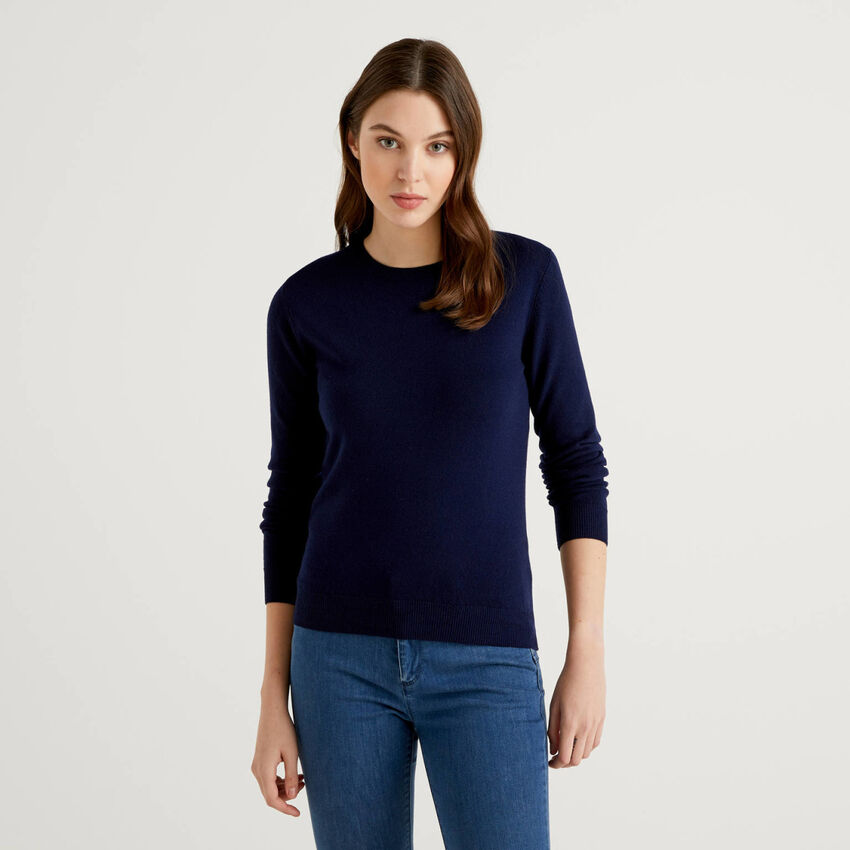 Maglia girocollo blu scuro in pura lana vergine