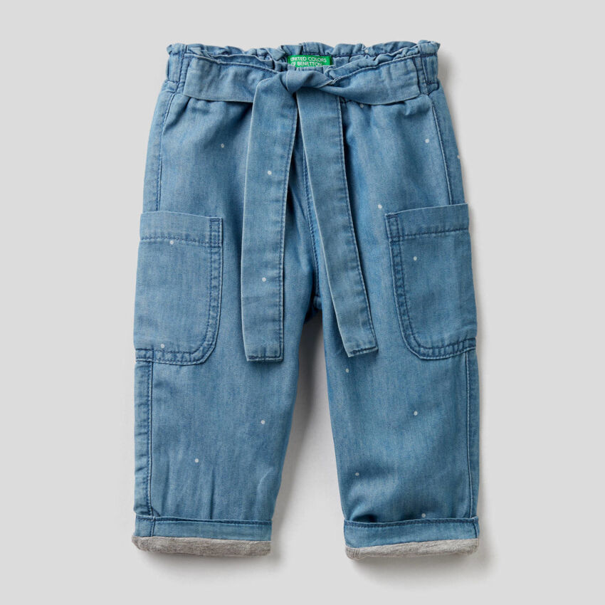 Pantaloni cargo in denim leggero