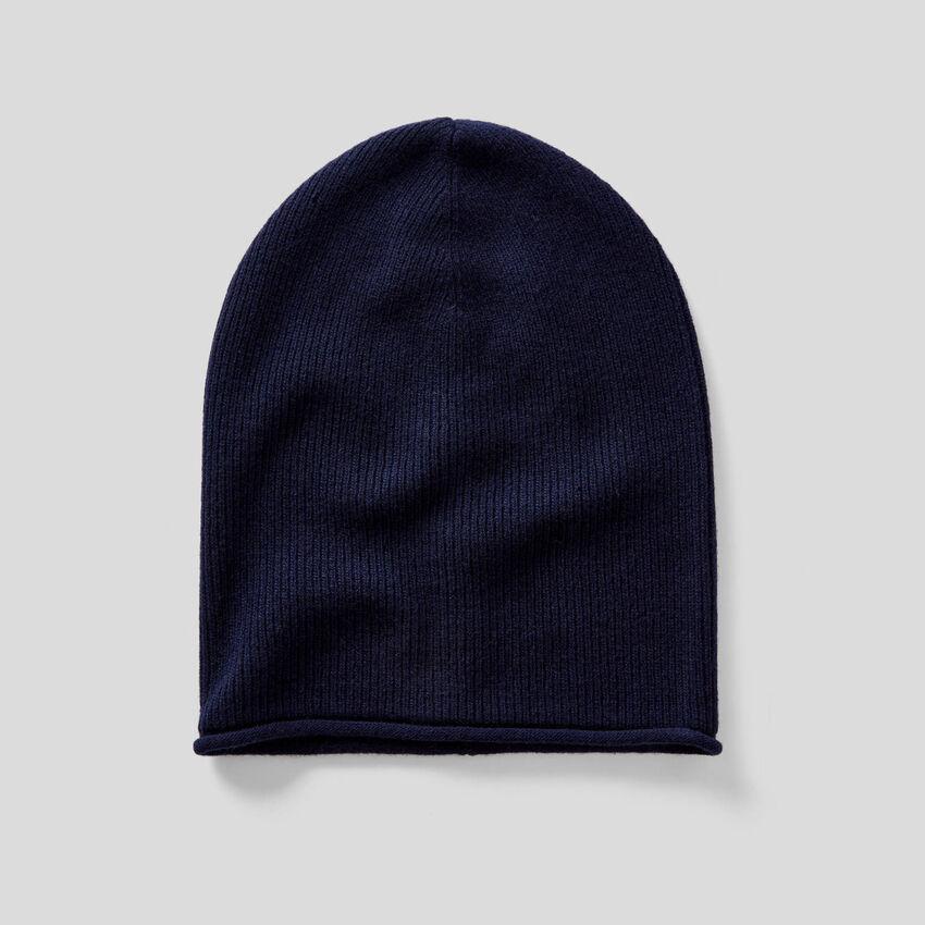 Cappello in misto lana a costine