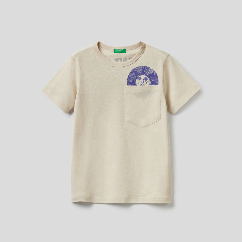 T-shirt con slogan stampato