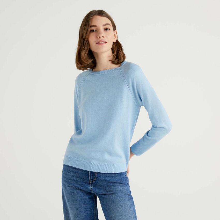 Maglia girocollo azzurra in misto lana e cashmere