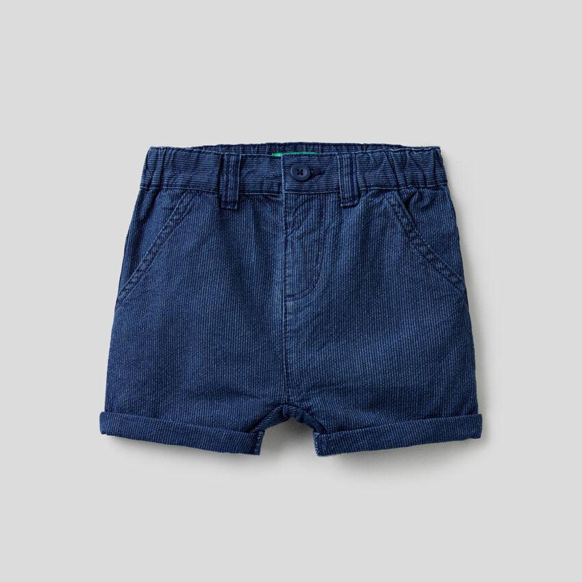 Pantaloncini corti in jeans rigato