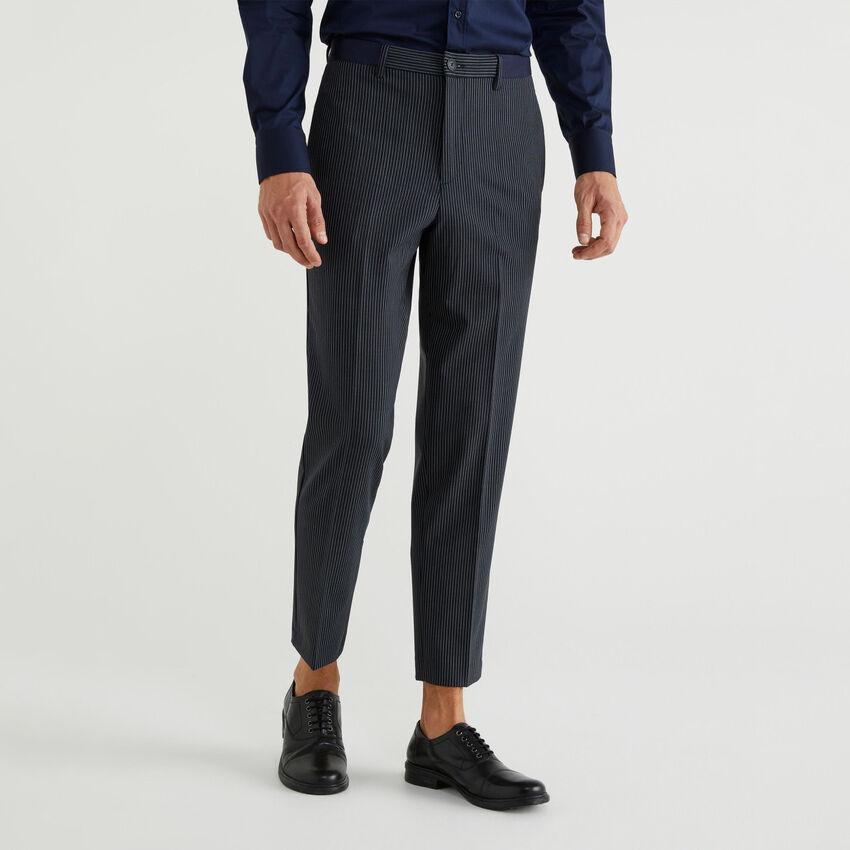Pantaloni in fresco lana
