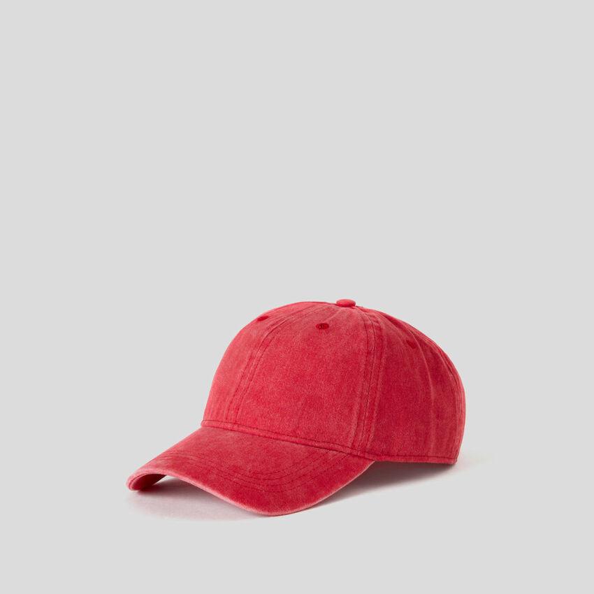Cappello baseball rosso effetto lavato
