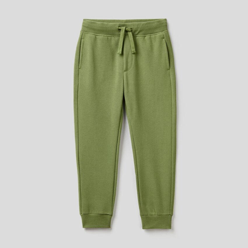 Pantaloni slim fit verde militare in felpa