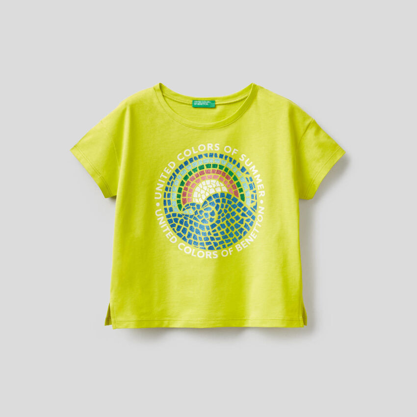 T-shirt con stampa glitter
