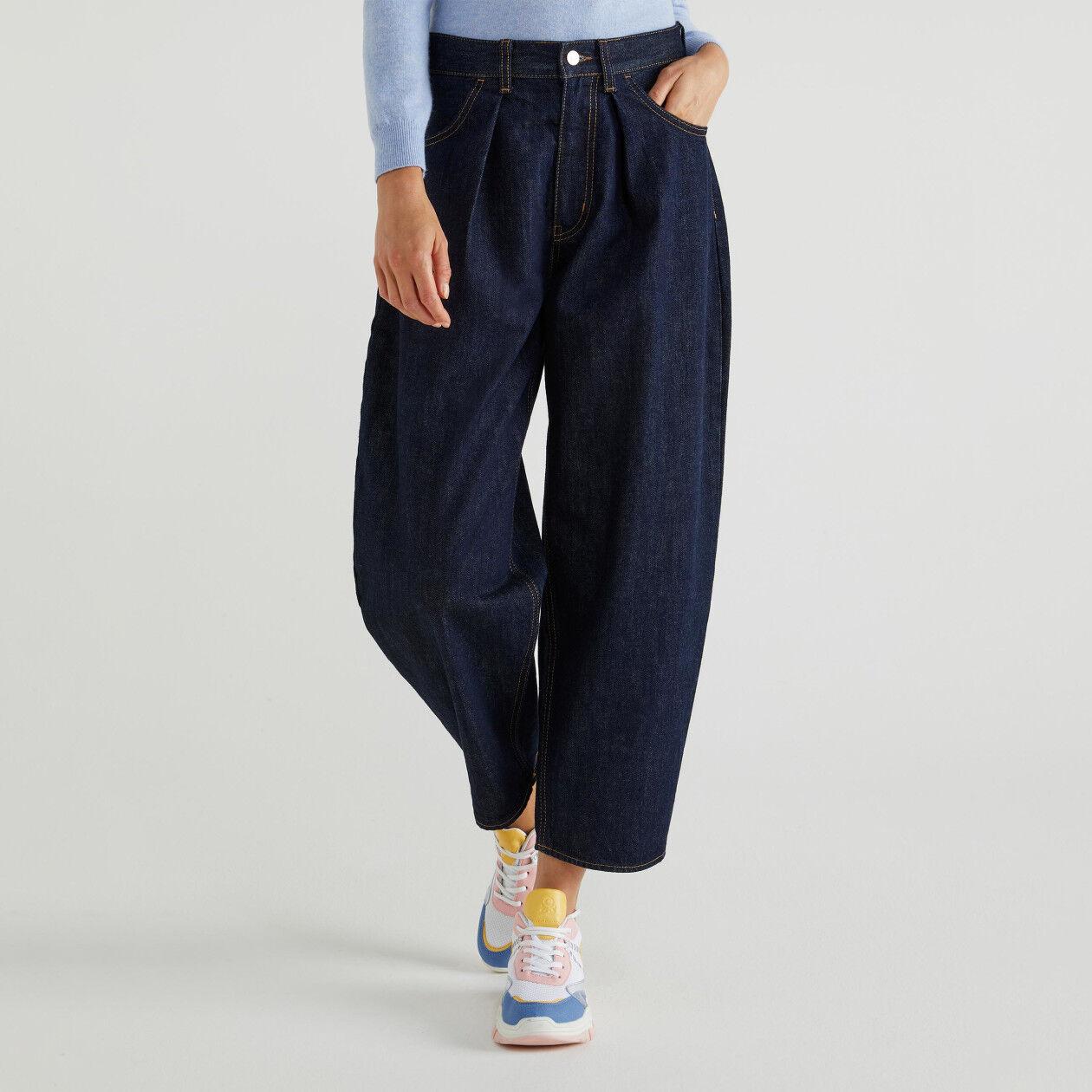 Jeans boyfriend con pieghe
