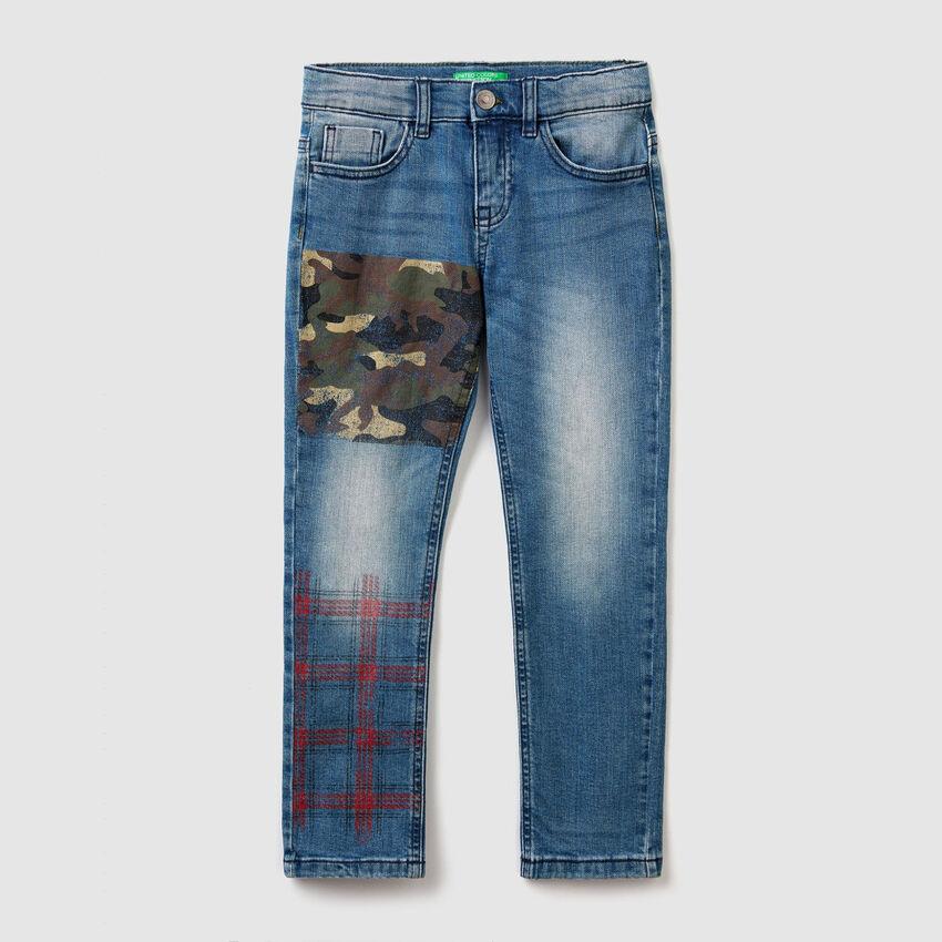 Jeans slim fit con dettagli stampati