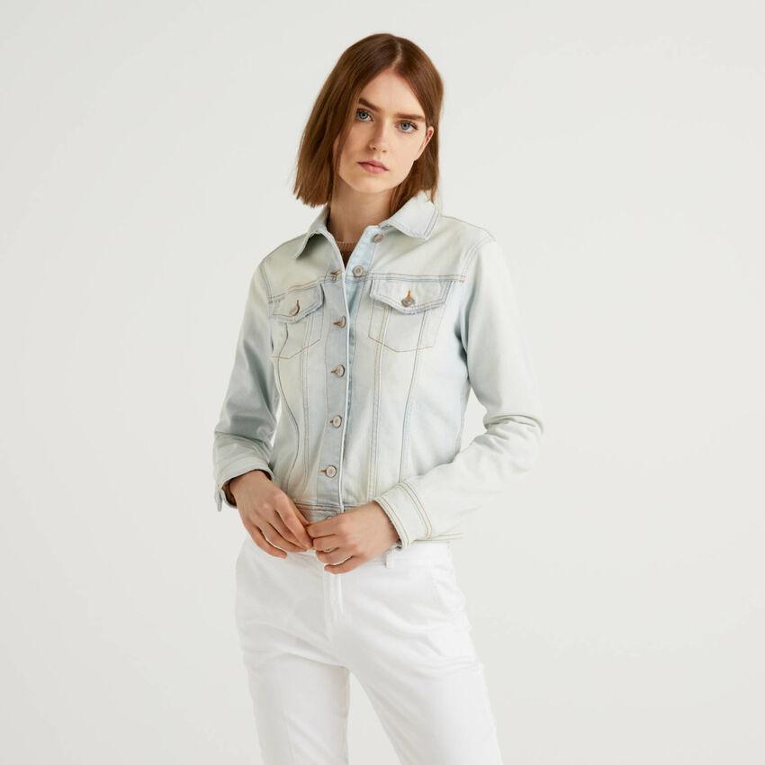 Giubbino jeans sciancrato