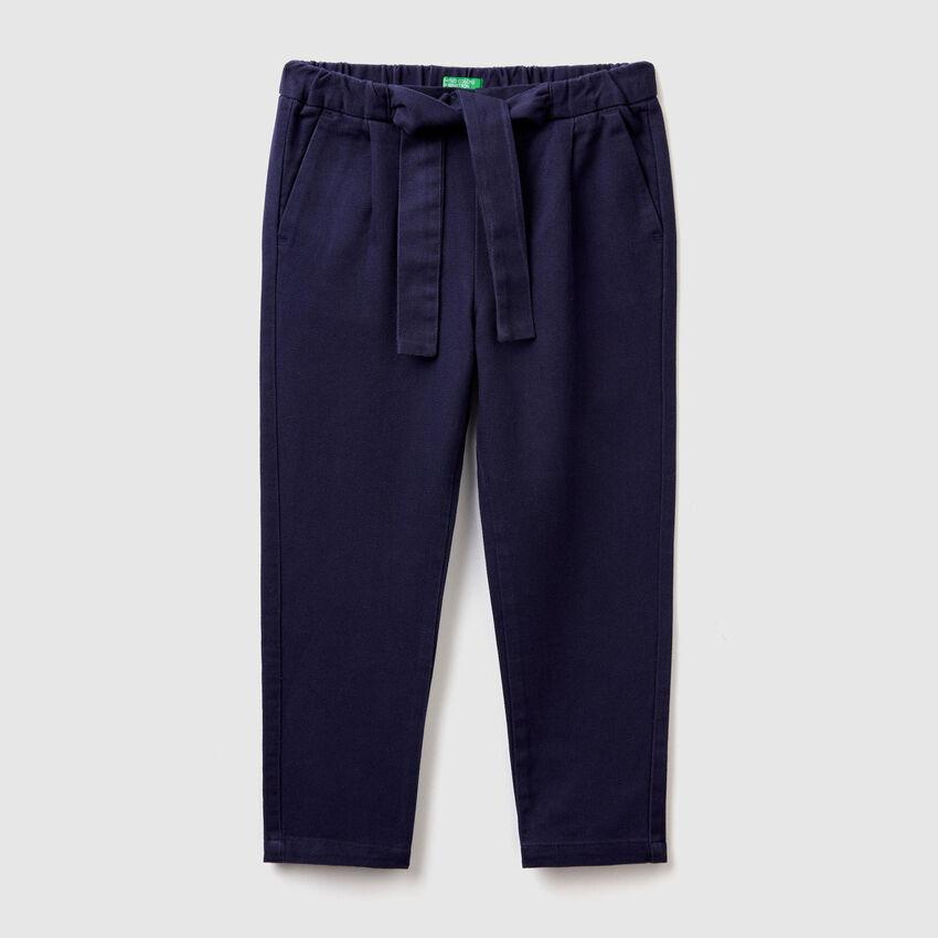Pantaloni morbidi con cintura